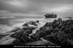 Monochrome-winner-Storm-approaching-©Herman-Olivier